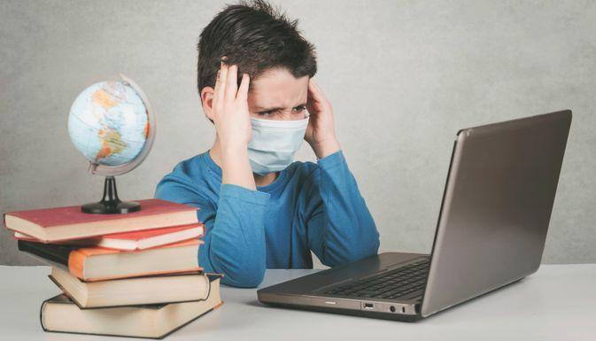 Зачинили, бо не вакциновані: на Миргородщині не працюють школи