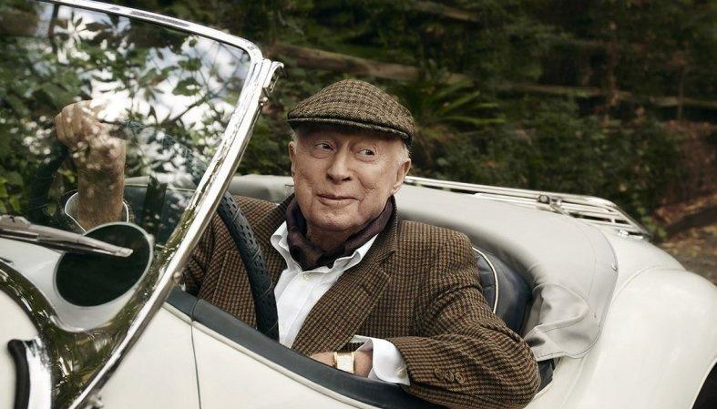 На 107 году жизни не стало самого старого актера мира Нормана Ллойда poster image